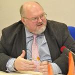 Беглый экс-министр обороны Украины будет представлять в Москве интересы крымского бизнеса