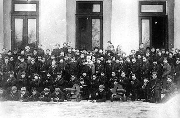 imagespamjatnik-zasedanie-uchreditelnogo-sobranie-v-janvare-1918-goda-thumb.jpg